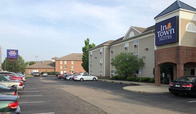 Exterior of extended stay hotel InTown Suites Cincinnati - Fairfield