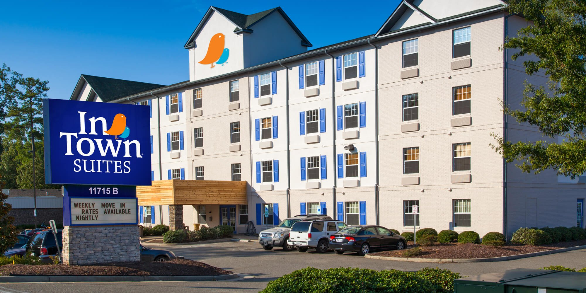 Exterior picture of InTown Suites' Newport News City Center location