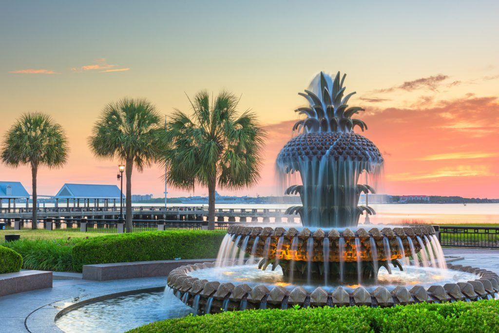 the pineapple fountain in the waterfront park in charleston, sc